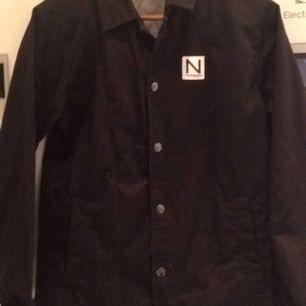 Unisex jacka NEW BLACK  Har kostat 1500:-  Använd endast en gång