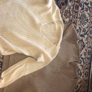 Tvä jäättefina stickade tröjor från H&M! Båda för 300💓