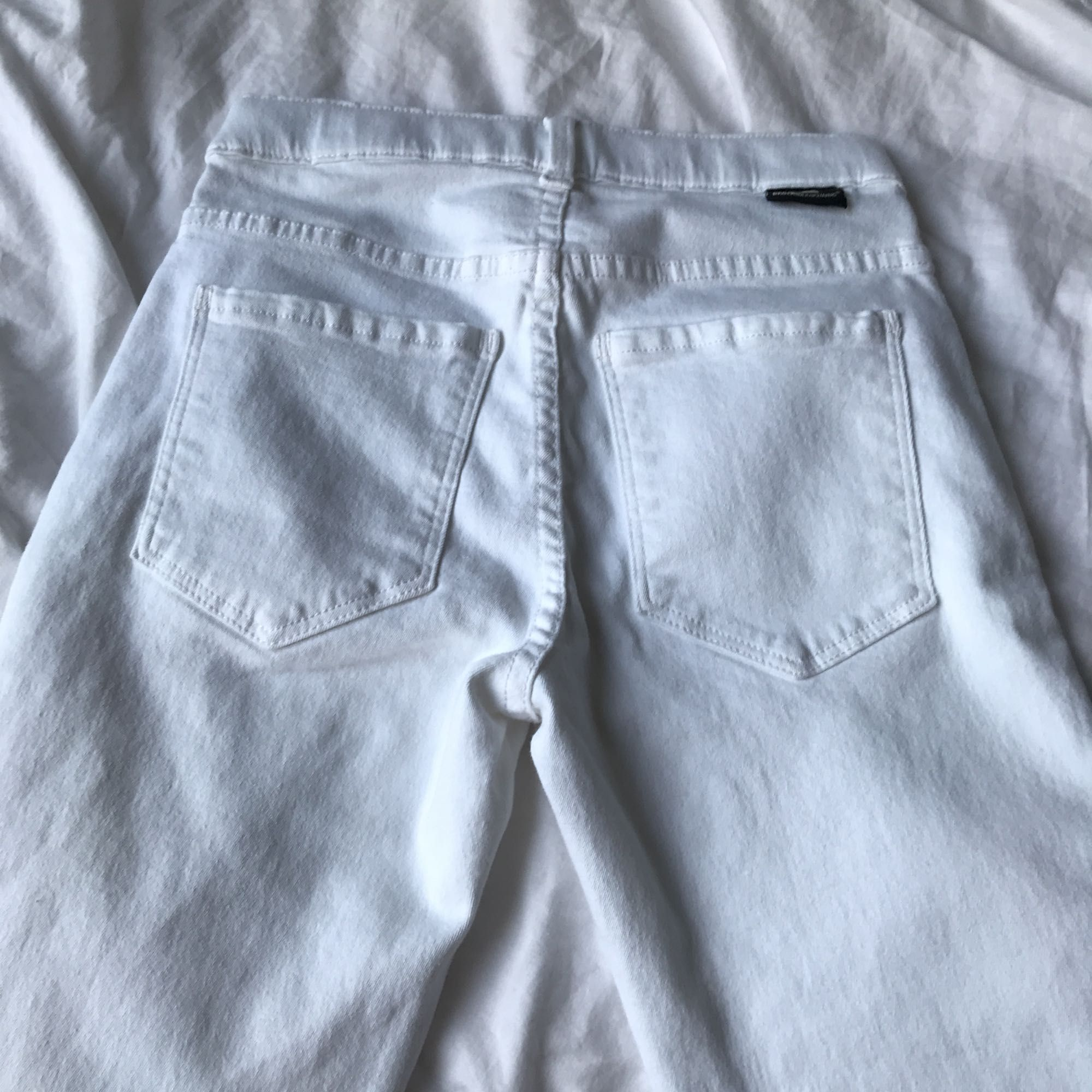 Super stretchiga jeans från dr denim. Helt oanvända då de var tvär förstora. Nypris: 400kr Modell: lexy Midja: Hög Vi kan dela på frakt kostnaden 🌿 från rök och djur fri hem 🌿. Jeans & Byxor.