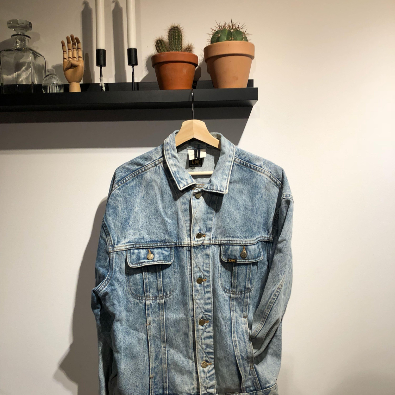 Vintage/Retro äkta LEE jeansjacka.  . Jackor.