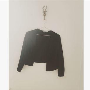 Mocca fransjacka från Gina tricot