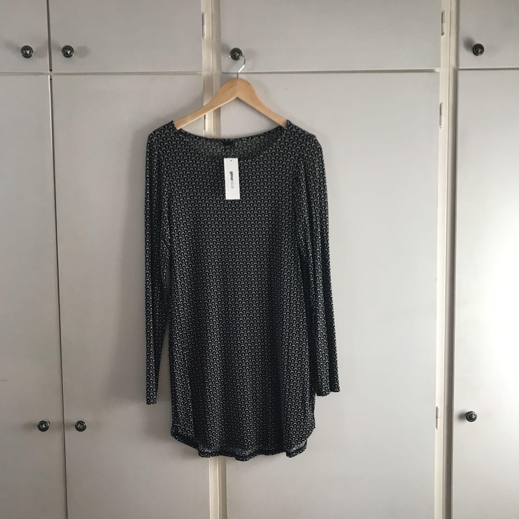 f5bd4c575431 Klänningar Helt ny klänning/tunika från GinaTricot. Köpare står för  eventuell frakt 💫.