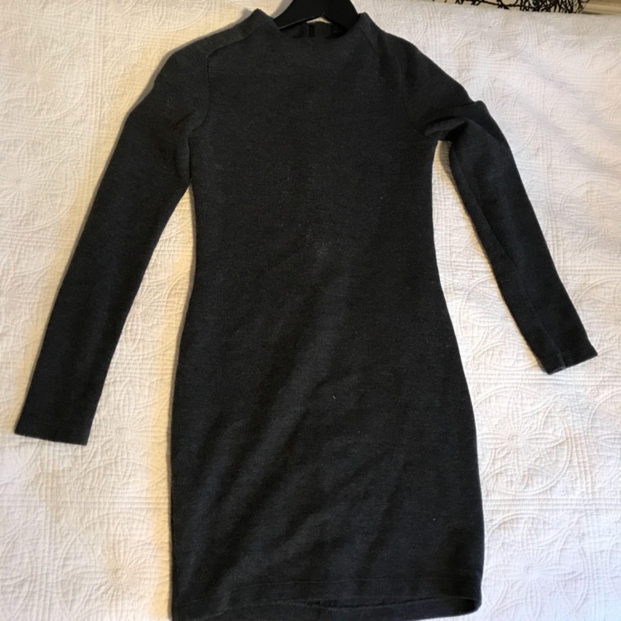 Zara klänning aldrig använd! Storlek - Zara Klänningar - Second Hand f9fb676fa4d47