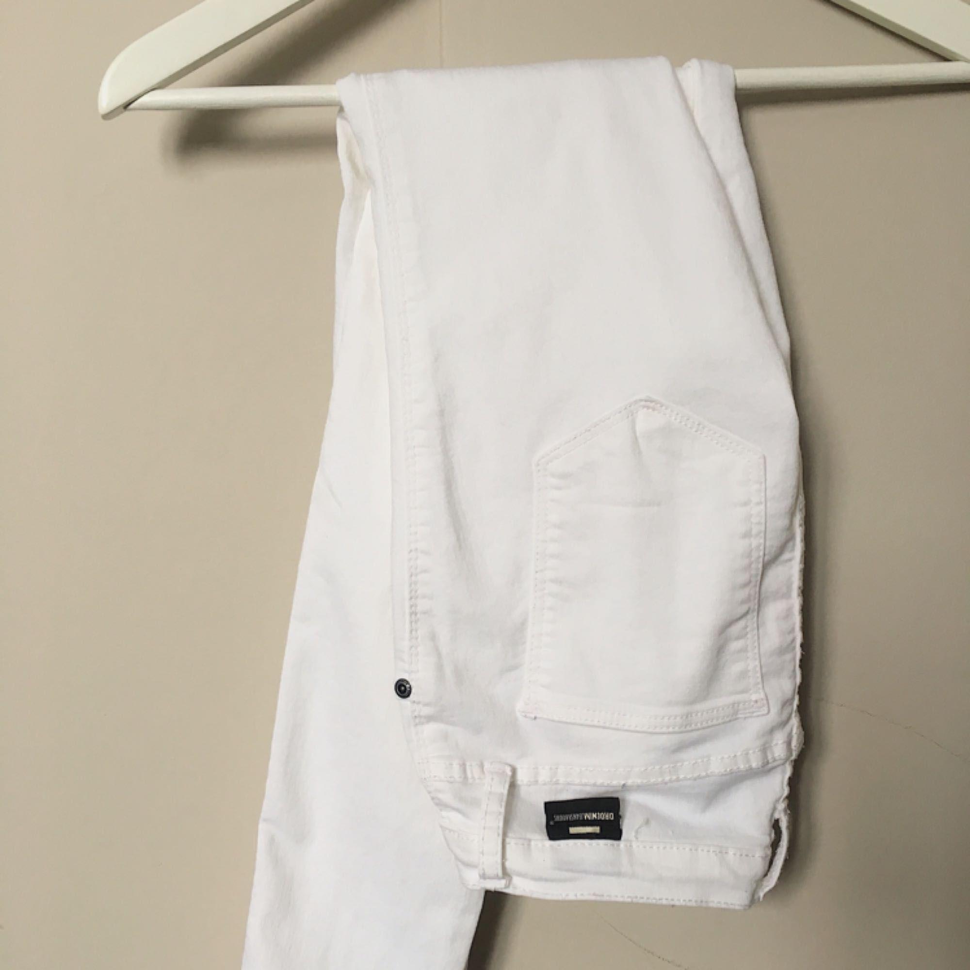 Vita lågmidjade jeans (Kissy från dr.denim) Fint skick✨. Jeans & Byxor.
