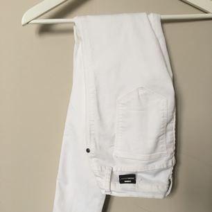 Vita lågmidjade jeans (Kissy från dr.denim) Fint skick✨