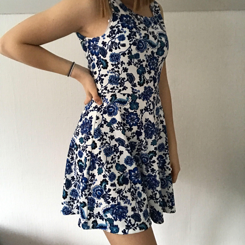 35da16775dad Somrig & fin klänning från H&M, använd en gång på ett bröllop, ...