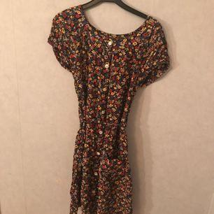 Jättesöt klänning från indiska. Knappt använd