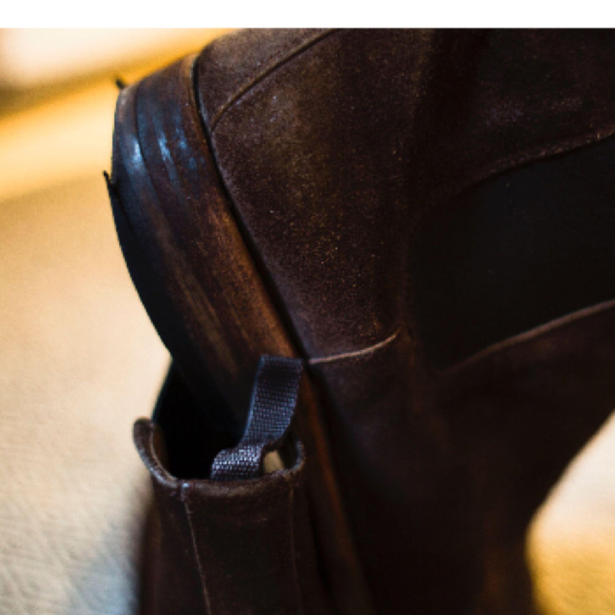 ... Italienska mochaskor från skobutiken Marzio. ⚡ 🔥 De är i fint skick  förutom sulorna b187a0178bc99