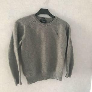 Snygg tröja i 100% ull från Boomerang. Står XL men passar numera XS/S då min kompis pappa krympte den i tvätten 😄