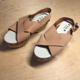 Skor från vila, använda en gång 🌸 möts upp i Sthlm annars står köparen för frakt