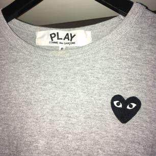 Långärmad äkta cdg tröja köpt från NK
