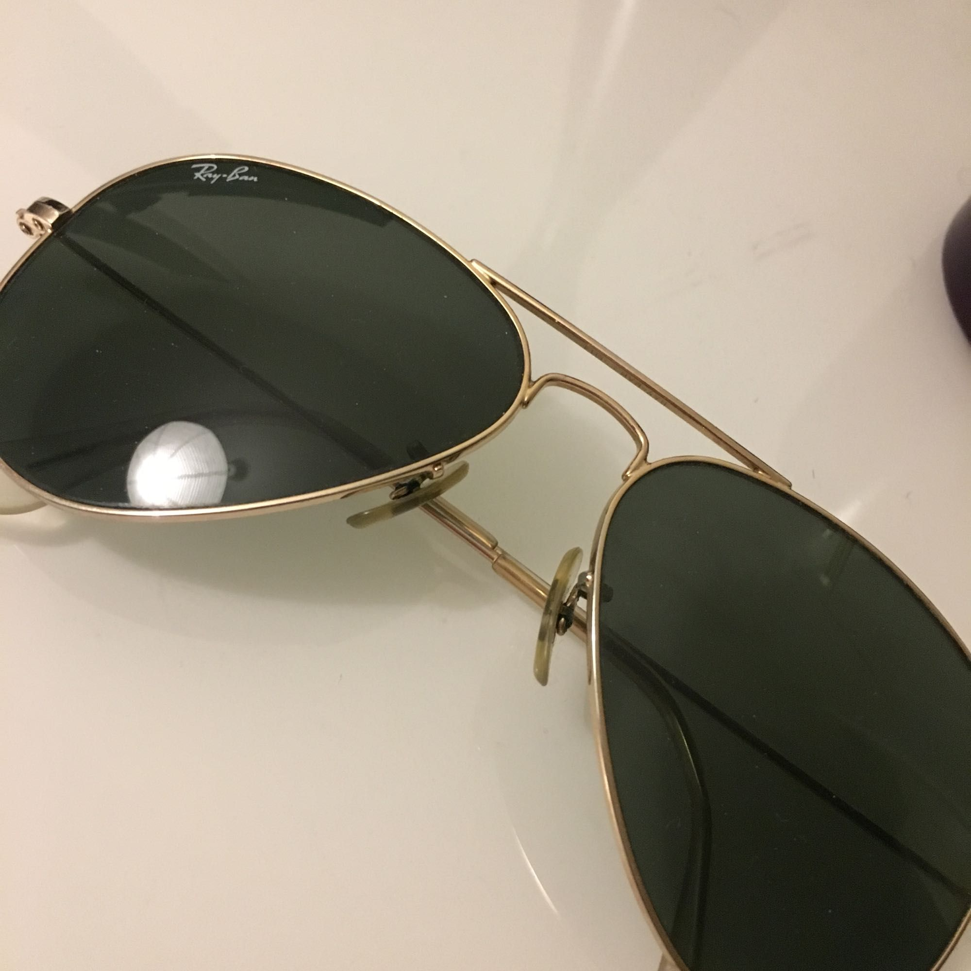 Ray-Ban Aviator Classic klassisk guldfärgad båge   100 % UV-skydd.   🌸🌸. Accessoarer.