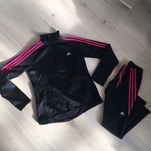 Träningsset från Adidas där byxorna är S och tröjan är M