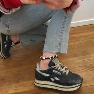 Snyggt slitna Reebok vintage skor med plattform köpta i london