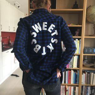 Skjorta köpt på Junkyard av märker Sweet SKTBS