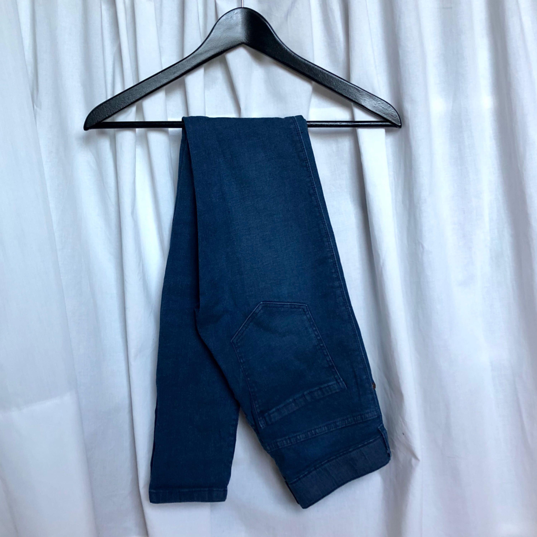 Högmidjade Dr.Denim jeans, använda ett fåtal gånger. Frakt tillkommer, kan mötas upp i Gbg! . Jeans & Byxor.