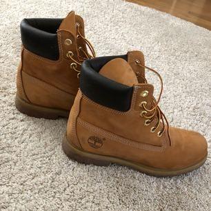 Timberlands skor i väldigt bra skick, använda fåtal gånger så är som nya