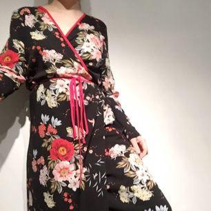 Fin kimonoklänning. +35 för frakt