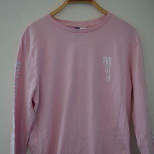 Sk8 til l8 tröja från h&m :)