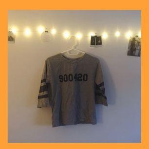 EXO Luhan tröja. Framsida Luhans födelsedag, baksida hans favorit nr.   Bra skick
