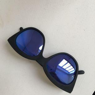 Le specs - Halfmoon magic limited edition      Köparen står för frakt :)