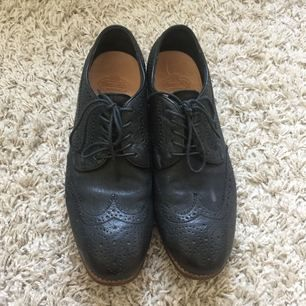 Vintage look, handmade leather shoes