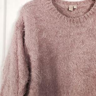 Puderrosa tröja i storlek 160 (från barnavd.) passar XS/S! Sparsamt använd 💘 köparen står för frakt!