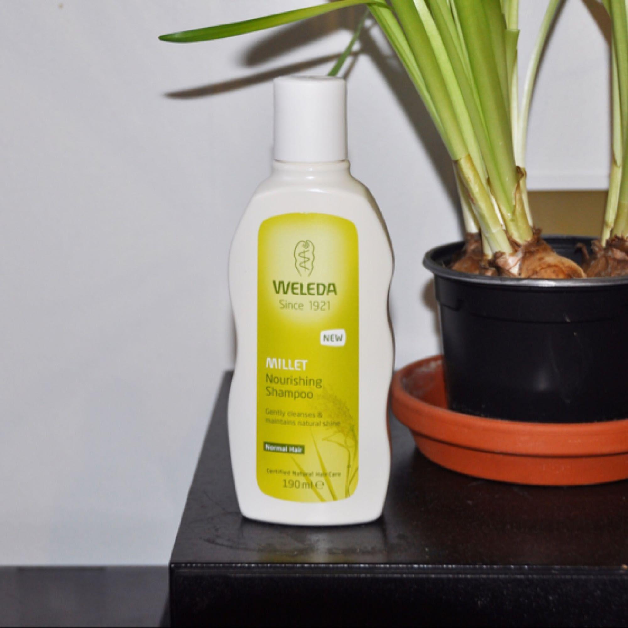 Weleda Millet Nourishing sulfatfritt schampo, helt nytt/oanvänt! Inga sulfater eller några andra skadliga ämnen :) Nypris: ca 129 kr. Övrigt.