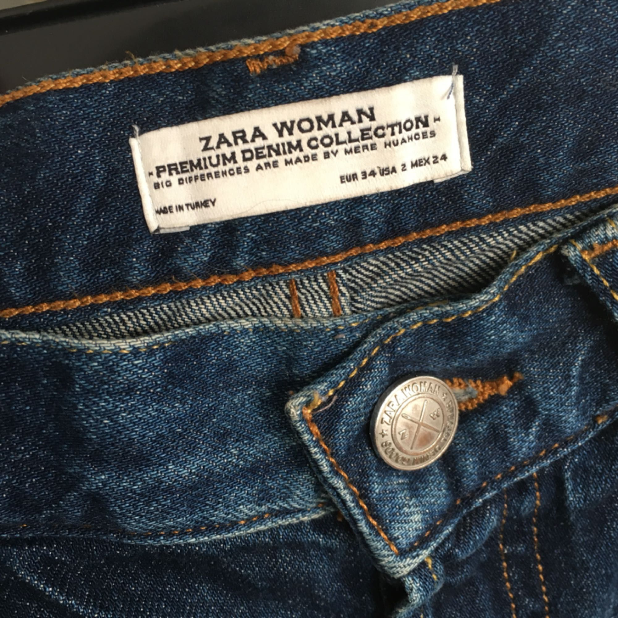 Straight cropped jeans from Zara. Loose, boyfriend fit. More a size 36-38. . Jeans & Byxor.