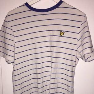 T-shirt från lyle & Scott