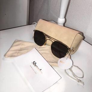 Helt oanvända shevoke solglasögon. Säljes pga ingen användning.