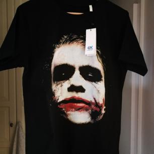 T shirt med skön bomull, bra kvalitets tryck på Jokern (Heath Ledger) Oanvänd!