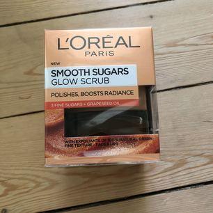 Loreal sockerskrubb till ansikte och läppar Sugar scrub   Nypris 149 Jag säljer för 50kr