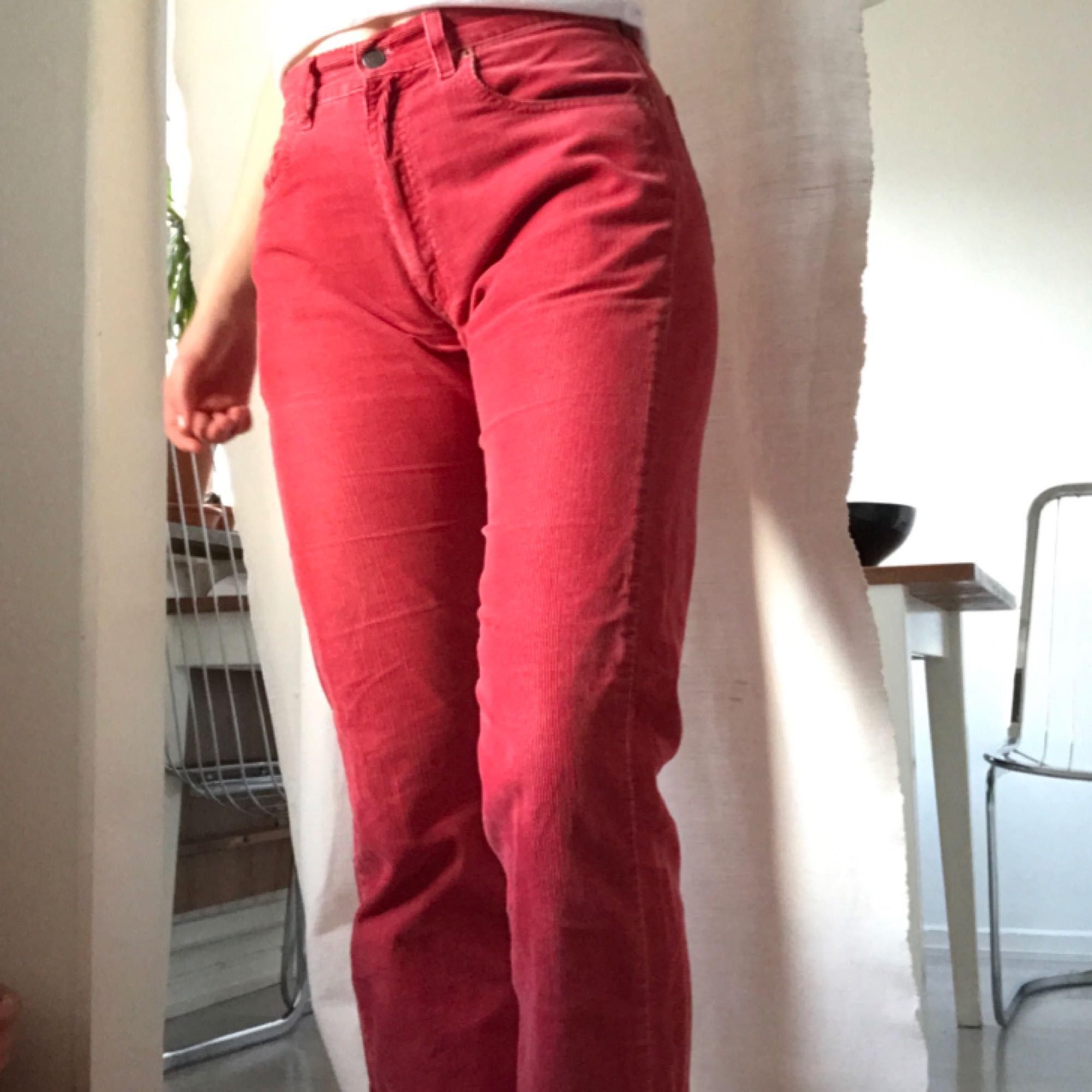 Röda manchester från Levis second - Levi s Jeans   Byxor - Second Hand d478eb2353db9