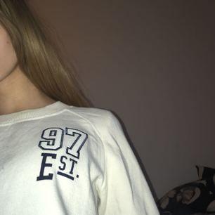 En aldrig använd hoodie från Gina Tricot!💗