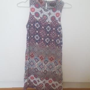 Superfin klänning ! Tyvärr för liten för mig. 40 kr i Kävlinge/lund/Malmö. Annars +frakt