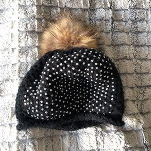 Säljer en fin vinter mössa