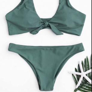 Säljer min väldigt sparsamt använda bikini från Zaful då överdelen var förstod och är aldrig använd,underdelen är använd 2 gånger
