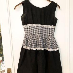 Superfin vintage 50-tals klänning. Passar XS-S Frakt 39 kr