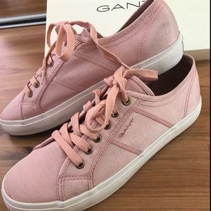Jättefina skor från Gant endast testade inomhus, stl 41 passar mer som 40