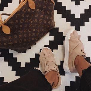 Sneakers från Bronx. Nyskick