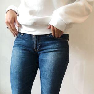 """Snygga jeans från Nudie. Modell """"Tight long John"""". Använda ett fåtal gånger. Nypris 1300 kr, köparen står för frakten"""