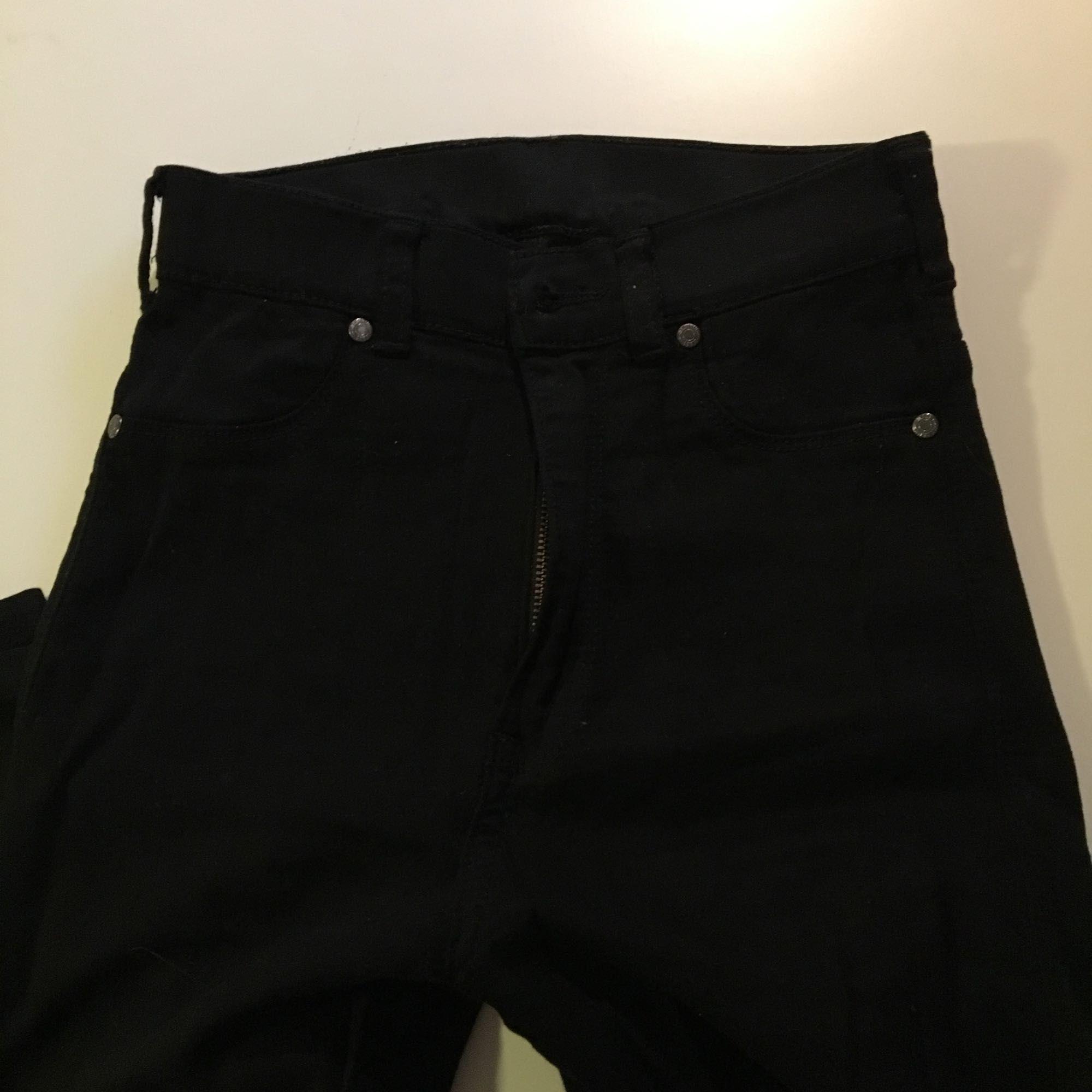 Svarta jeans från Dr. Denim i modell Solitaire. Fint skick!. Jeans & Byxor.