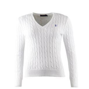 Säljer denna populära vita kabelstickade tröjan från Ralph Lauren🌸