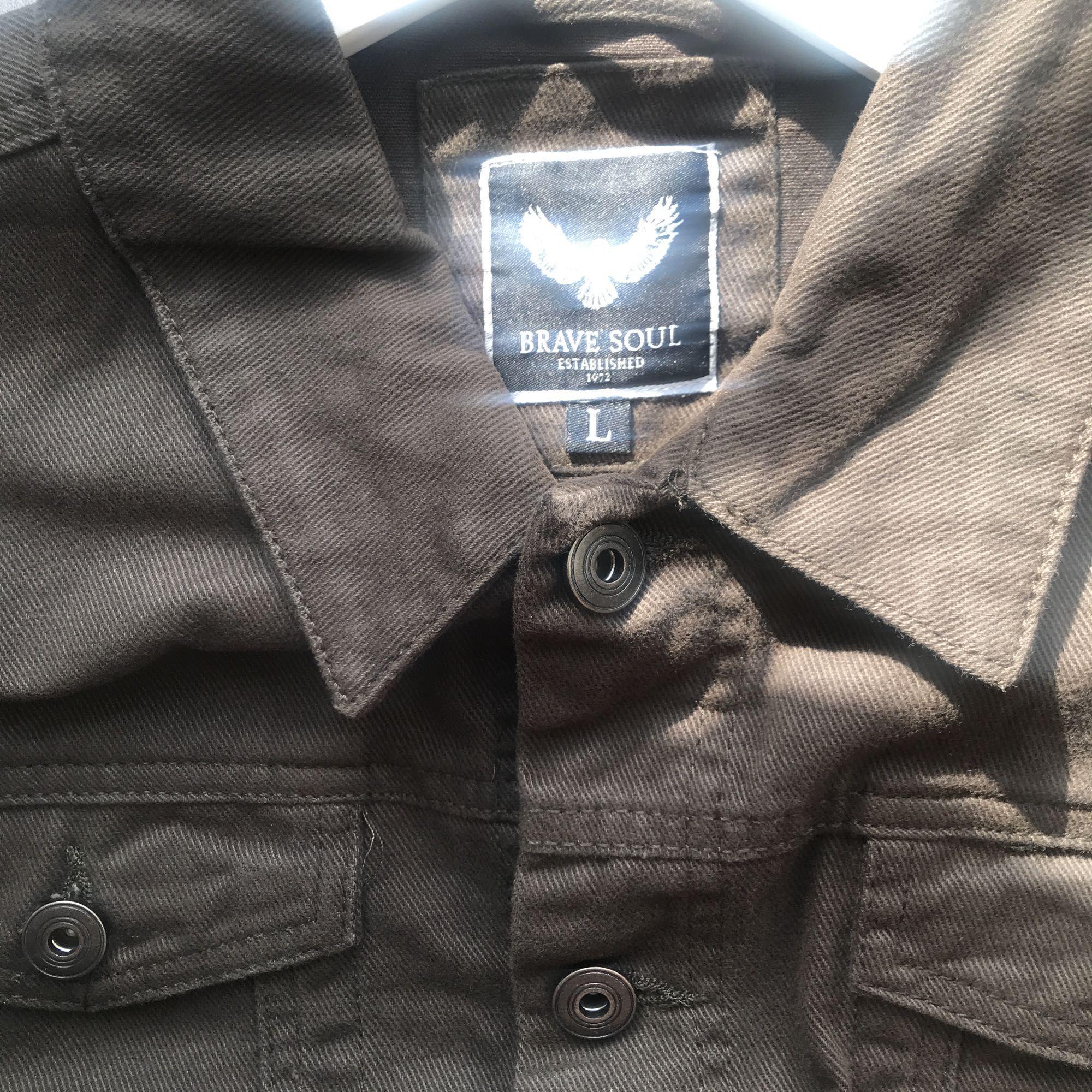 Moss grön jeans jacka nypris 673kr slim fit, Oanvänd  Frakt tillkommer eller möts upp i Sthlm 😊. Jackor.