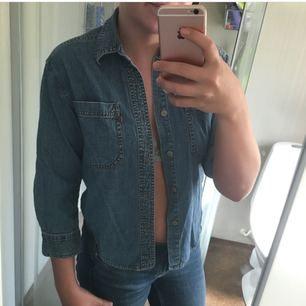 Jeansskjorta från Levis, skitsnygg!