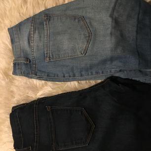 Två highwaisted jeans från fashion Nova i storlek 3. Frakten står jag för. Betalas via swish