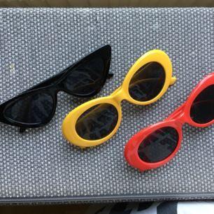 Snygga och speciella solglasögon, alla är oanvända!  60 kr/styck :)