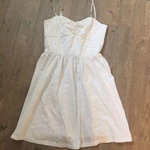 Sommar/studentklänning Använd 1 gång Nypris 400:- i köpt på indiska
