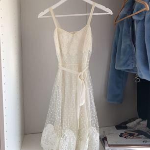 Ida Sjöstedt klänning i storlek xs. Använd ett fåtal gånger, frakt ingår